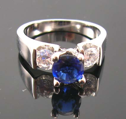 High quality sapphire-blue cubic zirconia jewelry wholesaler distribute blue diamond cz engagement ring for love