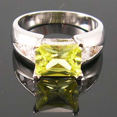 Wholesale custom fashion jewelry at low price supply rhodium band ring with lime green cz paired with multi clear cz
