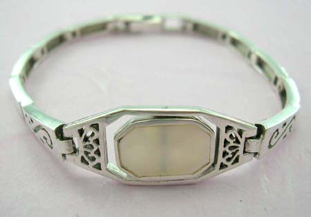 Wholesale jewelry for pearl lover in stamped 925 sterling silver bracelet with rectangular white mother of peral in middle